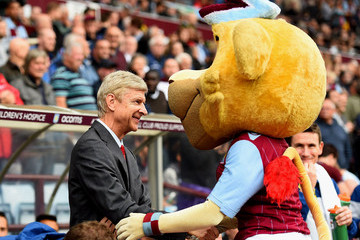 Bella Aston Villa v Arsenal - Premier League
