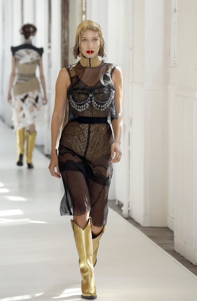 Bella hadid photos photos maison margiela runway for Maison de margiela