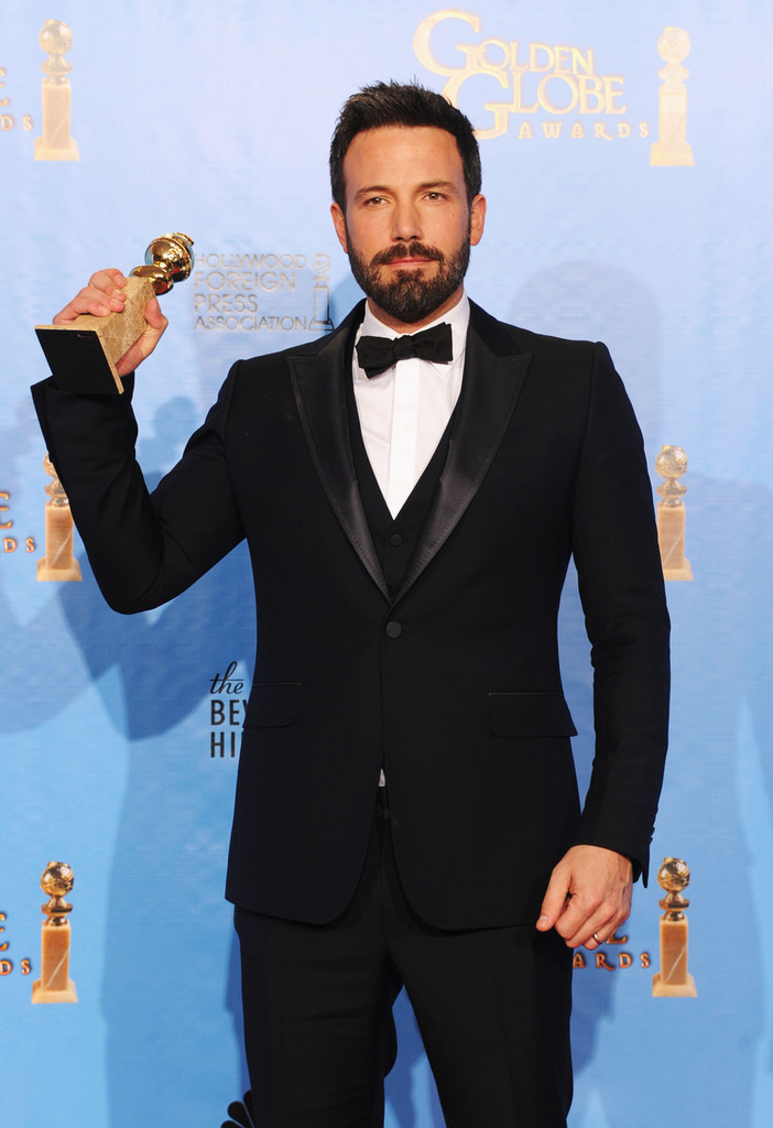 http://www2.pictures.zimbio.com/gi/Ben+Affleck+70th+Annual+Golden+Globe+Awards+-_1ltKfKW8vx.jpg