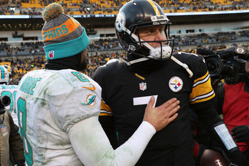 Ben Roethlisberger Wild Card Round - Miami Dolphins v Pittsburgh Steelers