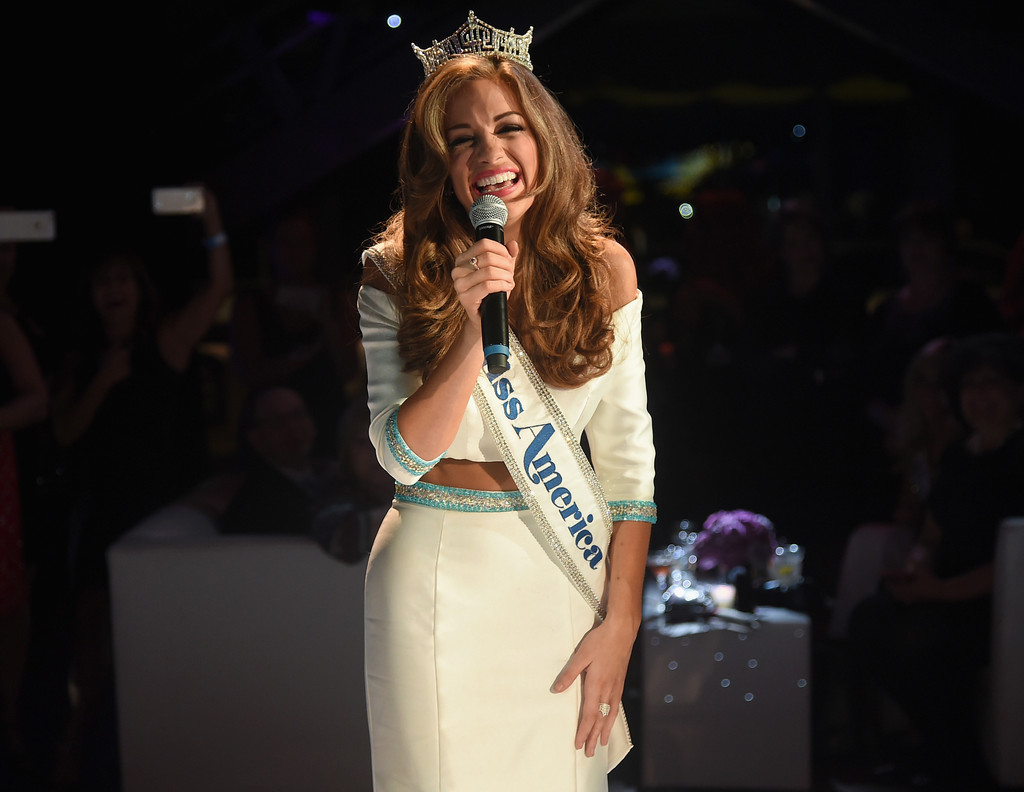 betty cantrell, miss america 2016. - Página 2 Betty+Cantrell+2016+Official+Miss+America+QkYlokDbuA-x