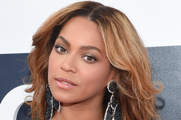 Beyonce Knowles Arrivals at the MTV Video Music Awards — Part 2