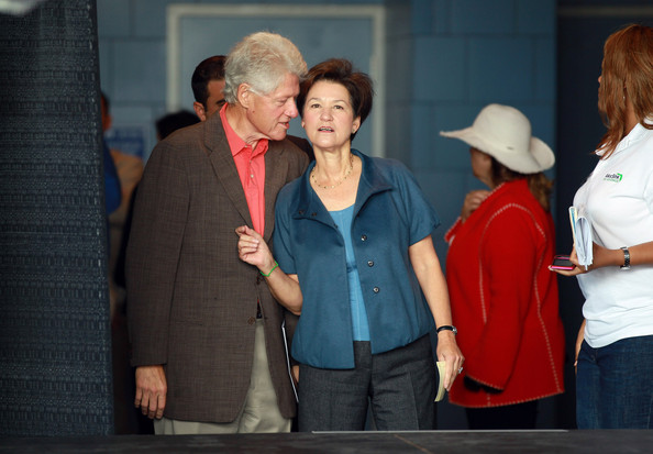 Bill Clinton Campaigns For Florida Gubernatorial Candidate Alex Sink