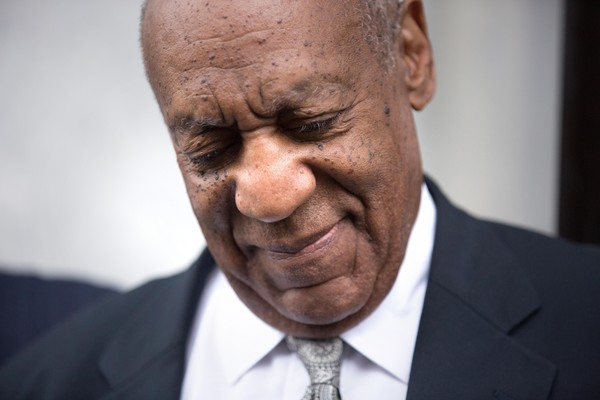 http://www2.pictures.zimbio.com/gi/Bill+Cosby+Bill+Cosby+Defense+Team+Gets+Turn+1e53mNEyWOCl.jpg