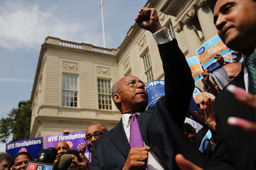 Bill Thompson Bill Thompson Rallies Supporters at City Hall