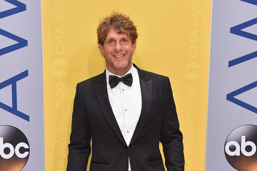 Billy Currington The 50th Annual CMA Awards - Arrivals