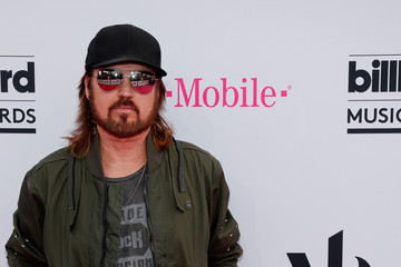Billy Ray Cyrus 2017 Billboard Music Awards Presented by Virginia Black - Red Carpet