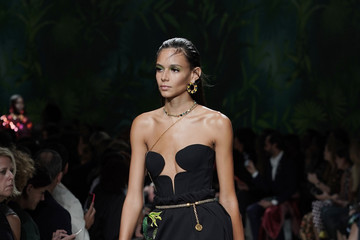 Binx Walton Versace - Runway - Milan Fashion Week Spring/Summer 2020