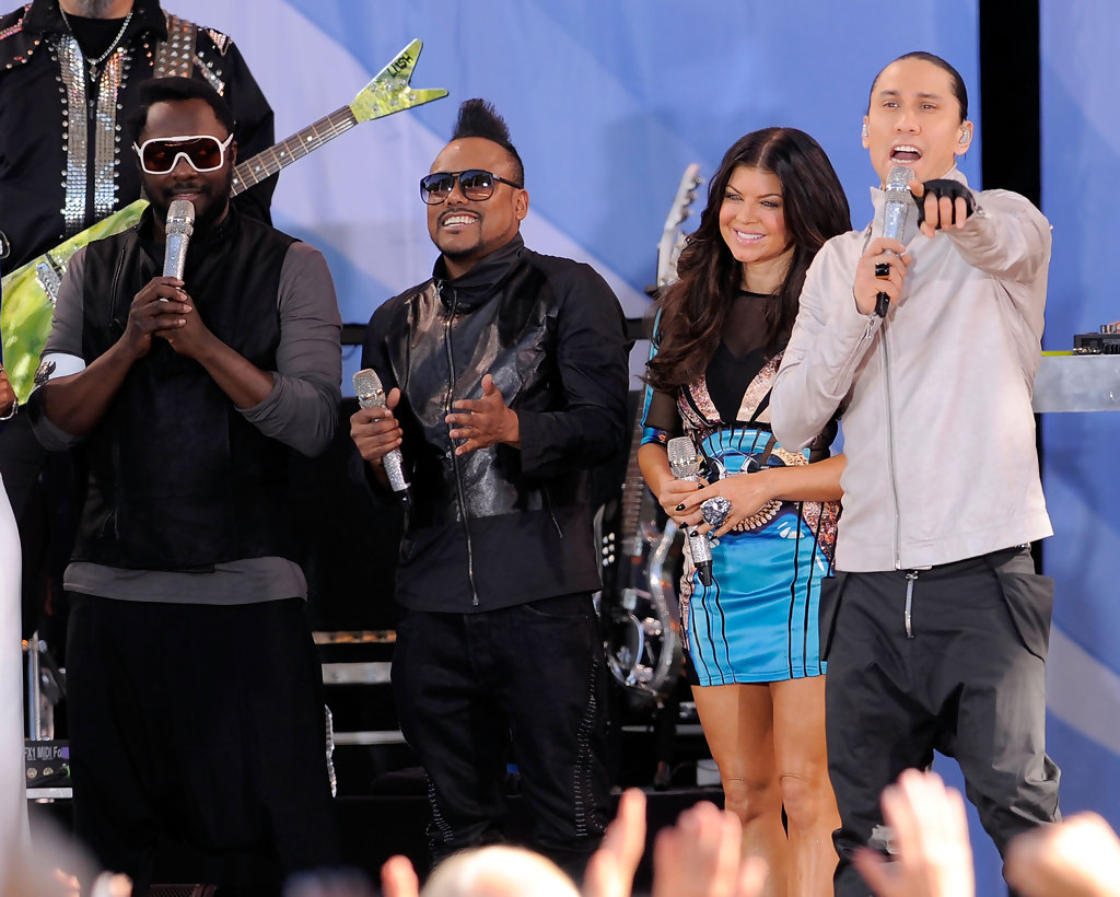 Good Morning America Abc : Taboo in black eyed peas perform on abc s quot good morning