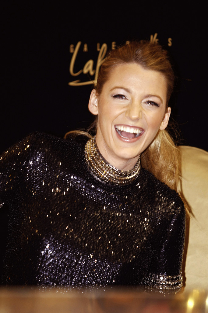 Blake Lively Hangs Out in Dubai