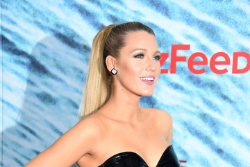 Blake Lively 'The Shallows' World Premiere Arrivals