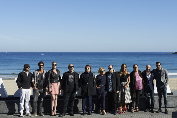 63rd San Sebastian Film Festival: 'Mi Gran Noche' Photocall [social group,tourism,team,sea,ocean,vacation,event,beach,leisure,horizon,santiago segura,blanca suarez,carmen machi,raphael,carlos areces,kursaal palace during the 63rd san sebastian film festival on september,mi gran noche,l-r,spanish actors,san sebastian film festival]