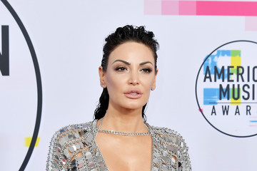 Bleona Qereti 2017 American Music Awards - Arrivals