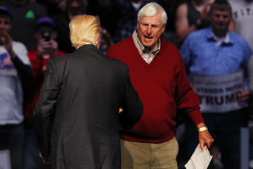 Bobby Knight Donald Trump Holds Rally With Former Basketball Coach Bobby Knight