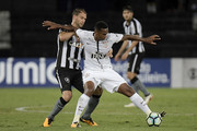 Joel Carli (L) of Botafogo battles for the ball with Jo of Corinthians during the match between Botafogo and Corinthians as part of Brasileirao Series A 2017 at Engenhao Stadium on October 23, 2017 in Rio de Janeiro, Brazil.