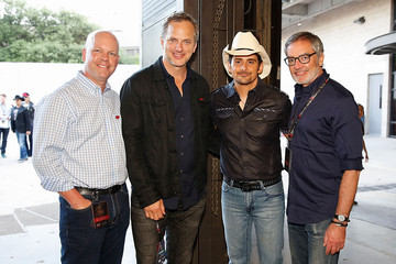 Brad Paisley 2015 iHeartRadio Country Festival - Backstage