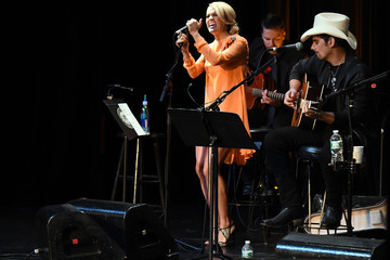 Brad Paisley The Country Music Hall of Fame & Museum Presents 'All for the Hall New York'