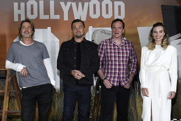 Brad Pitt Margot Robbie Photo Call For Columbia Pictures' 'Once Upon A Time In Hollywood'