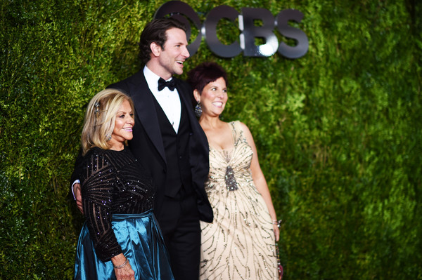 Holly Cooper  >> Bradley Cooper And Holly Cooper Photos Photos 2015 Tony Awards