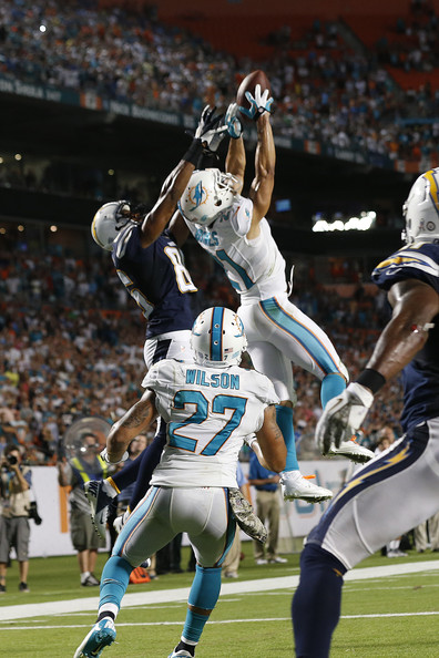 http://www2.pictures.zimbio.com/gi/Brent+Grimes+San+Diego+Chargers+v+Miami+Dolphins+42V7lmreXPml.jpg