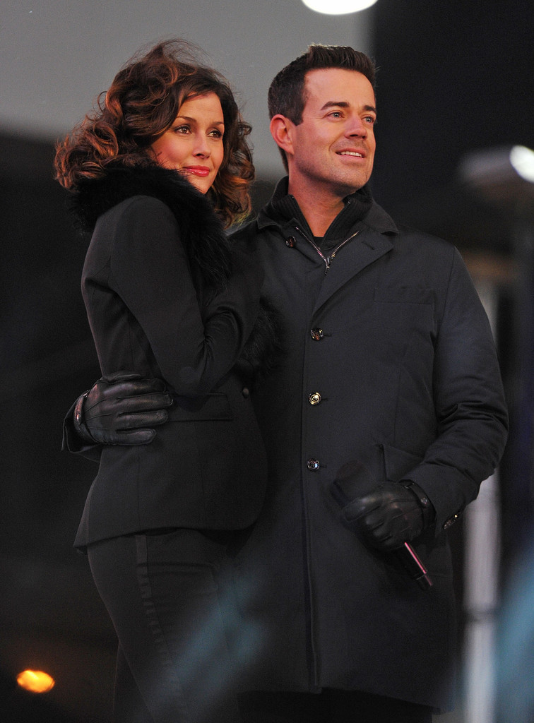 Bridget Moynahan and Carson Daly attend the New Year's Eve