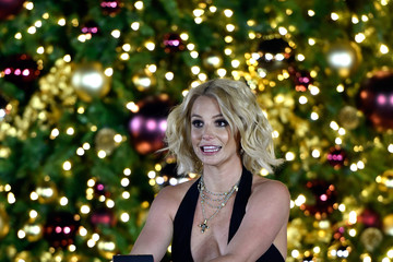 Britney Spears Britney Spears Hosts a Christmas Tree Lighting Ceremony at the LINQ Promenade