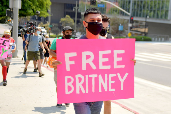 #FreeBritney Protest Outside Courthouse In Los Angeles During Conservatorship Hearing [pink,people,protest,public event,human,event,eyewear,parade,glasses,magenta,britney spears,supporters,conservatorship,glasses,los angeles,freebritney protest outside courthouse,courthouse,downtown,conservatorship hearing,hearing,sunglasses,marketing,street,azwood,glasses,brand,design,wholesale landscapes]