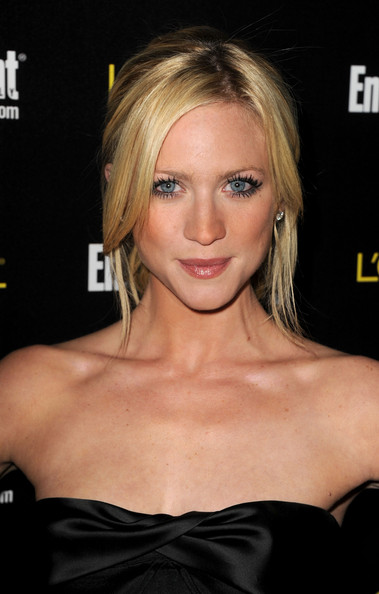 http://www2.pictures.zimbio.com/gi/Brittany+Snow+Entertainment+Weekly+17th+Annual+t4Hk8BY69cRl.jpg