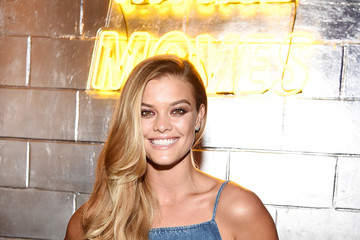 Brooklyn Decker American Eagle Celebrates NYFW With Ne(X)t Level Fall Jeans Party