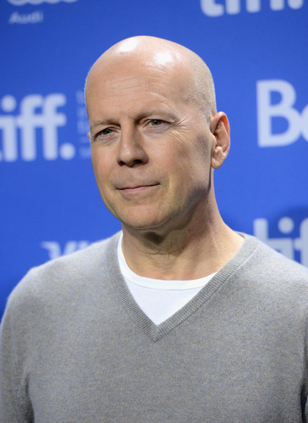 http://www2.pictures.zimbio.com/gi/Bruce+Willis+Looper+Press+Conference+2012+JJ88YCNrcM6l.jpg