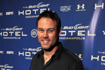Mike Alstott Bud Light Hotel Features Concerts By 50 Cent, Lil Jon And Pitbull