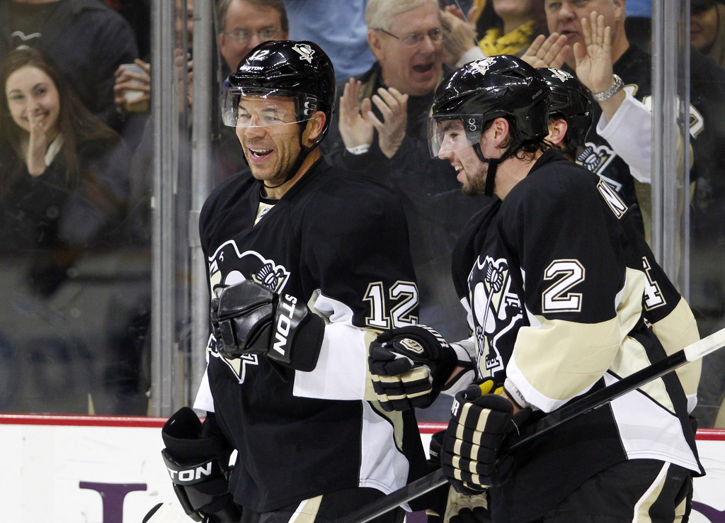 Jarome Iginla Photos - Buffalo Sabres v Pittsburgh Penguins - Zimbio