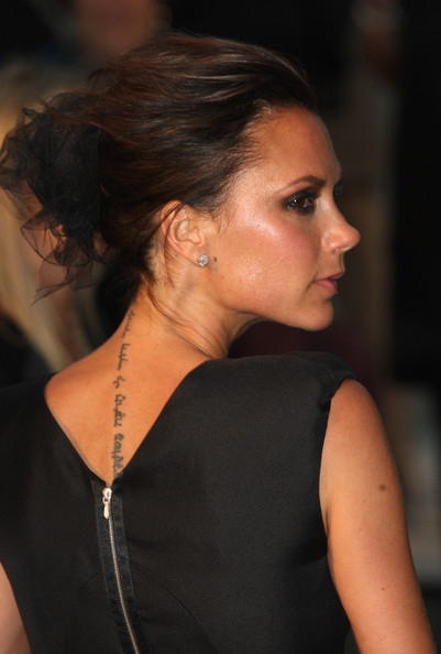 Victoria Beckham arrives at the Burberry Prorsum Spring/Summer 2010 Show at