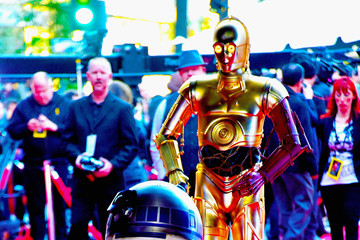 C-3po Premiere 'Star Wars: The Force Awakens' - Arrivals
