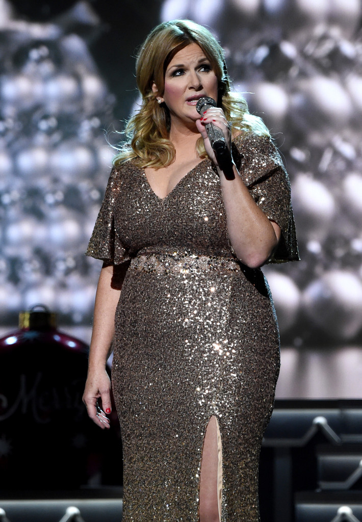 Trisha Yearwood Photos Cma 2016 Country Christmas 52