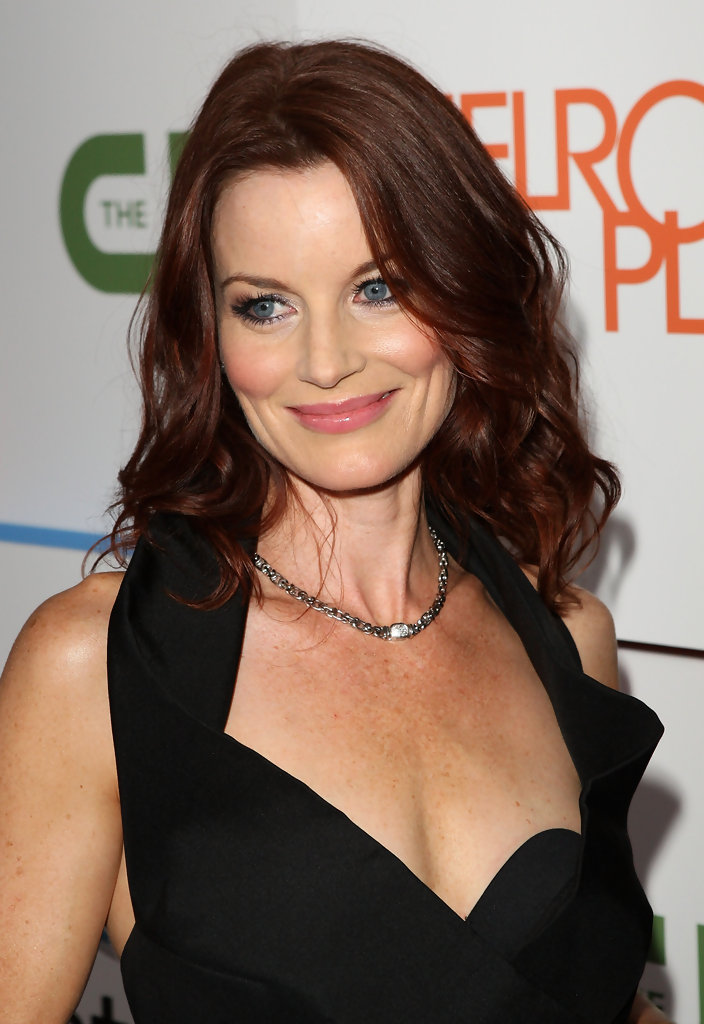 laura leighton promoting the melrose place premiere