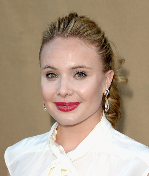 leah pipes - photo #12