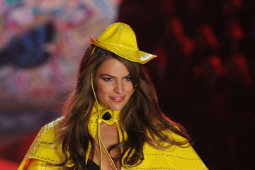Cameron Russell Victoria's Secret 2012 Fashion Show Runway - Show
