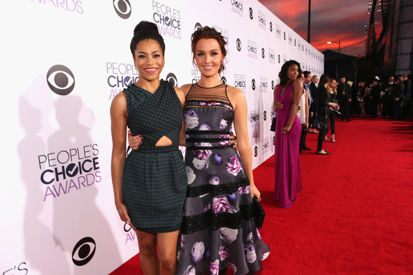 Arrivals at the People's Choice Awards — Part 2 [red carpet,carpet,premiere,fashion,dress,flooring,pink,fashion model,event,fashion design,arrivals,actresses,camilla luddington,kelly mccreary,peoples choice awards,part,california,los angeles,nokia theatre la live,l]