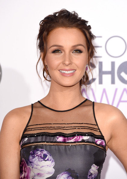 Arrivals at the People's Choice Awards  [hair,hairstyle,beauty,shoulder,eyebrow,premiere,cocktail dress,brown hair,smile,dress,peoples choice awards,california,los angeles,nokia theatre la live,camilla luddington,arrivals]