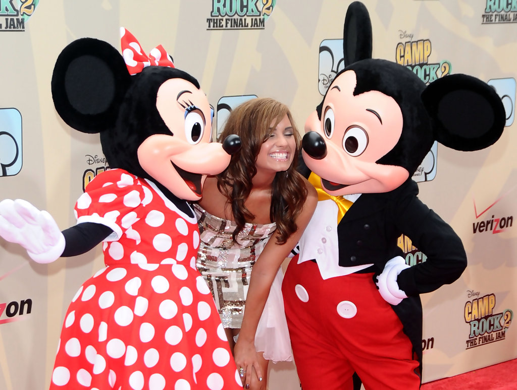 mickey mouse and minnie mouse photos photos camp rock 2 the