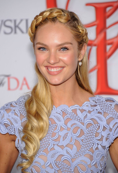 http://www2.pictures.zimbio.com/gi/Candice+Swanepoel+2012+CFDA+Fashion+Awards+Ge1_YgF01qrl.jpg