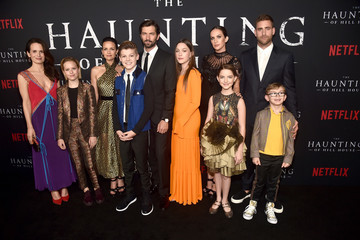 Carla Gugino Netflix's 'The Haunting of Hill House' Season 1 Premiere - Red Carpet