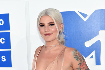 Carly Aquilino 2016 MTV Video Music Awards - Arrivals