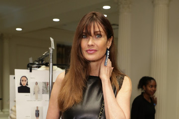Carol Alt Dennis Basso - Backstage - September 2017 - New York Fashion Week: The Shows