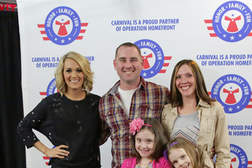 carrie underwood meet and greet pictures