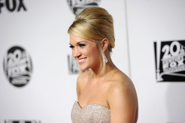 pics of carrie underwood pregnant. Carrie Underwood Pregnant 2010