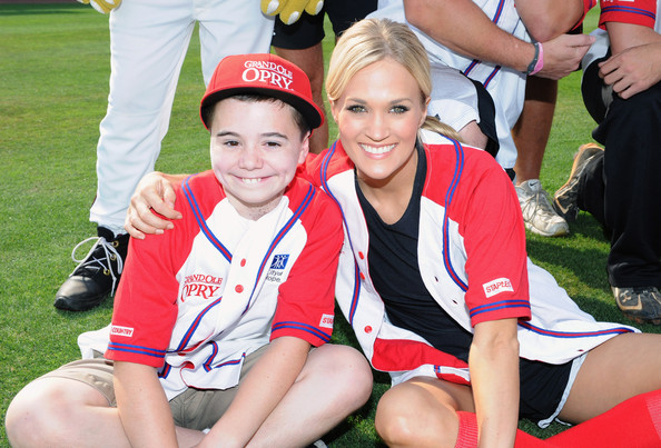 Carrie Underwood Pictures - In The Dugout At City Of Hope\'s 2012underwood city