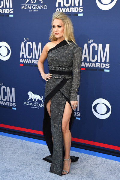 54th Academy Of Country Music Awards - Arrivals [academy of country music awards,clothing,red carpet,carpet,dress,shoulder,cobalt blue,premiere,fashion,electric blue,joint,mgm grand hotel casino,nevada,las vegas,arrivals]