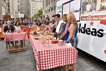 "Carson Daly People's ""Great Ideas"" Food Truck Cook-Off"